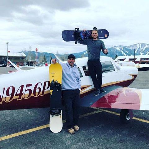 James Pedroza (rechts) hat das Flugzeug geflogen. Warum es in Flammen aufging, ist bisher unklar.