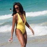 Es ist Claude Jordan, die in ihrem Badeanzug der Sonne in Miami die Show stiehlt.