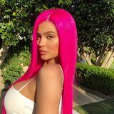 Mit diesen Haaren wird Kylie Jenner auf dem vollen Festival-Gelände garantiert nicht übersehen.
