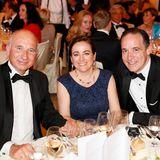 Genießen den Abend in Baden-Baden: Thomas Bauer (Apotheker Walter Bouhon GmbH), Emmanuelle Tardy und Guillaume Tardy (HFC Prestige Products)
