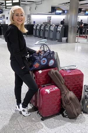 """Mit """"leichtem Gepäck"""" geht es für Pixie Lott nach Los Angeles."""