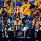 Ganz klar, Beyonces Auftritt ist das Highlight vom Coachella-Festival 2018.Jedoch den wohl größten Jubel gibt es, als Beyoncé zusammen mit Michelle Williams und Kelly Rowland die Bühne betritt. Destiny's Child, die Band, mit der Beyoncé ursprünglich bekannt geworden ist, rockt die Bühne phänomenal. Es ist der erste gemeinsame Auftritt des Trios seit Beyoncés Superbowl-Halbzeitshow 2013.