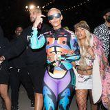 Amber Rose könnte mit diesem Coachella-Outfit als Fallschirmspringerin durchgehen.