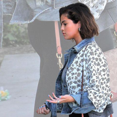 Sieht man hier bei Selena Gomez einen Babybauch?