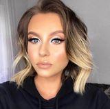 Erkennen Sie diesen Star? Wir mussten bei diesem Selfie von Youtube-Star Dagi Bee zweimal hinschauen - denn sie hat sich ganz schön verändert! Die Bloggerin trägt ihre Haare deutlich kürzer und ein viel auffälligeres Augen-Make-up als gewöhnlich.