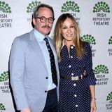 18. April 2018  Bei der Aftershow-Party der Premiere von Matthew Brodericks neuesten Broadway-Theaterstücks, ist Sarah Jessica Parker natürlich dabei um ihren Mann zu unterstützen. Die Schauspielerin erscheint in einem lässigen Pünktchenkleid.