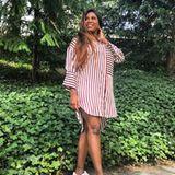 """Endlich Frühling! Für Sonnenschein Motsi Mabuse die Gelegenheit ihre hübschen Beine zu präsentieren. Im Rahmen der GALA SPA AWARDS zeigt sich die """"Let's Dance""""-Schönheit tagsüber in einem gestreiften Hemdblusen-Kleid und Sneakern."""