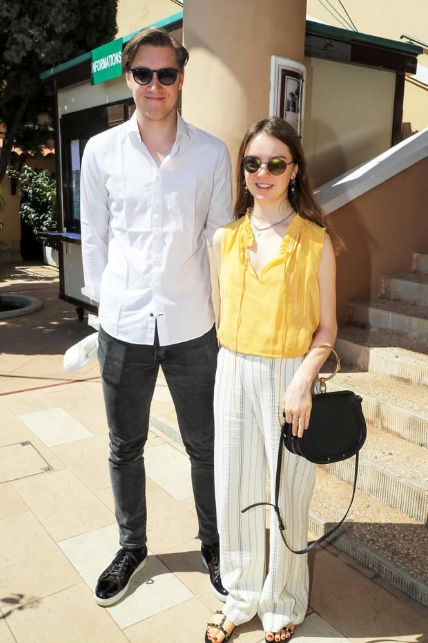 """Prinzessin Alexandra von Hannover, die jüngste Tochter von Prinzessin Caroline, besucht mit ihrem Freund Ben Sylvester Strautmann bereits zum zweiten Mal das""""Monte-Carlo Rolex Masters""""-Tennisturnier. Im entspannt sommerlichen Pärchen-Look posieren die beiden für die Fotografen."""