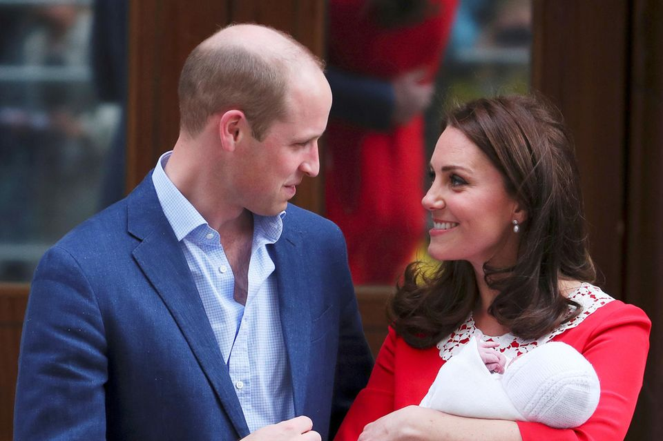 The Look of Love: Die frischgebackenen Eltern Prinz William und Herzogin Catherine sind im Babyglück.