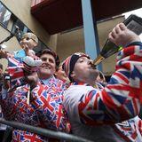 Spaß muss sein: Das Volk feiert die Geburt des dritten Kindes von Herzogin Catherine und Prinz William.