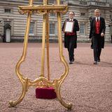 Was geschieht denn da vor dem Buckingham Palace?