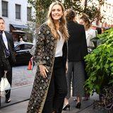 In New Yorks High-Society ieben alle Elizabeth Olsen für ihren natürlichen Boho-Look. Diesen hat sie von ihren prominenten Schwestern, den Zwillingen Mary-Kate und Ashley Olsen.