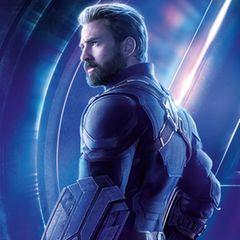 """Chris Evans gibt in den """"Avengers""""-Filmen den Supersoldaten Captain America, der auf den Leinwand besonders durch sein Schutzschild wiederzuerkennen ist."""