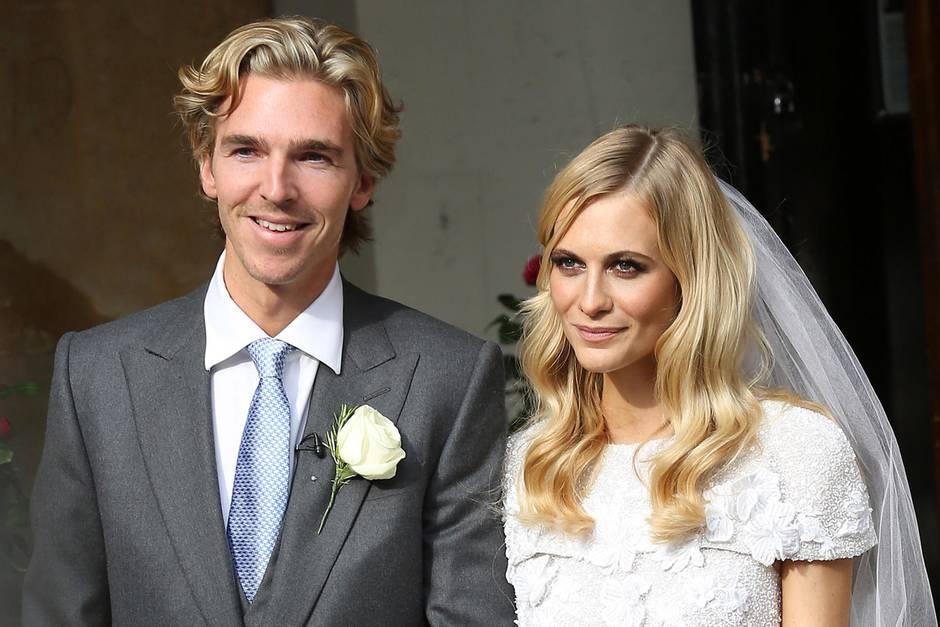 Strahlendes Lächeln, frischer Teint: So lief Poppy Delevingne in London mit ihrem James Cook in den Hafen der Ehe ein