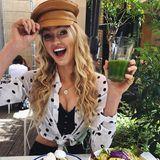 Supermodel Romee Strijd teilt mit ihren Instagram-Fans ihr selbstverständlich gesundes Mittagessen, bestehend aus Salat und Avocadotoast. Na dann, guten Appetit!