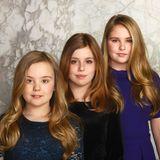 März 2018  Wie groß die drei niederländischen Prinzessinnen geworden sind. Beim Fototermin im Palast von Amsterdam präsentieren sich Prinzessin Ariane, Prinzessin Alexia und Prinzessin Amalia in hübschen Kleidern.