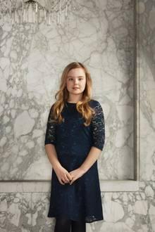 März 2018  Die jüngste der drei Prinzessinnen Ariane ist 11 Jahre alt.