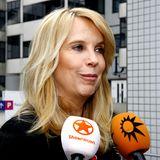 """Auch wenn Fans das Gefühl haben, es sei nach """"Traumhochzeit"""" ruhig um Linda de Mol geworden, hat sie dem Fernsehen nie den Rücken gekehrt. In Shows wie: """"Domino Day"""", """"Einer gegen 100"""", """"Der Millionendeal"""" und """"The Winner is ..."""" ist sie noch bis 2012 im deutschen Fernsehen zu sehen und ist auch als Schauspielerin aktiv.In den Niederlanden gibt de Mol das Lifestyle-Magazin """"Linda"""" für Frauen heraus und ist in zahlreichen Fernsehformaten zu Gast. Seit 2008 ist die zweifache Mutter in einer Beziehung mit dem sieben Jahre jüngeren, niederländischen Musiker Jeroen Rietbergen."""