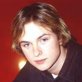 """Mit seiner Band """"Echt"""" gehört Kim Frank Ende der 1990er-Jahre zu den bekanntesten Vertretern der deutschen Popmusik. Mädchenschwarm Kim Frank lässt die Herzen der Girls höher schlagen. Mit seinen blonden Haaren und blauen Augen ist er das wohl beliebteste Mitglied der Band."""