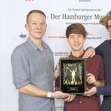 """Nach dem Aus von """"Echt"""" jobbt Florian Sump zunächst als Wurstverkäufer und in einer Videothek. Später dann als Erzieher. Heute tourt der gebürtige Flensburger wieder mit einer Band namens """"Deine Freunde"""" durch Deutschland."""