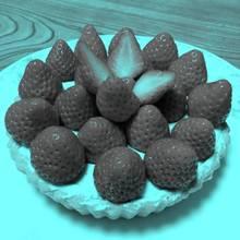 Sind diese Erdbeeren rot oder blau?