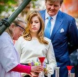 27. April 2018  Es gibt vieles zu entdecken: Prinzessin Alexia und Geburtstagskind König Willem-Alexander schauen genau hin.