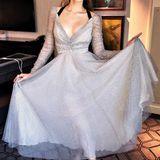 Wie eine Prinzessin im Polka-Dot-Look: Im sexy Pünktchen-Kleid von Zimmermann und High Heels von Louboutin macht Blake auch eine tolle Figur.