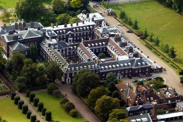 Rechts unten auf der Luftaufnahme sehen Sie das Ivy Cottage, in dem Eugenie und Jack nun wohnen.