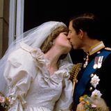 Prinz Charles und Diana  Längster Schleier, kürzester Kuss. Am 29. Juli 1981 gaben sich Prinz Charles und seine Diana in der St Paul's Cathedral das Jawort.Die Fernsehübertragung erreichte weit mehr als 700 Millionen Zuschauer und damit Rekordeinschaltquoten. Der Kuss hingegen blieb mit 0,4Sekunden der kürzeste Schmatzer in der Geschichte royaler Zuneigungsbekundungen auf einem Schlossbalkon.