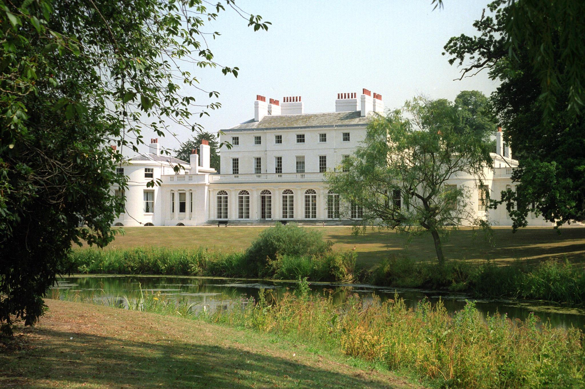 Frogmore House wurde 1680 erbaut und liegt südlich der St George's Chapel. Hier gibt Prinz Charles am Abend des 19. Mai einen Empfang für Meghan und Harry