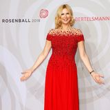 Lady in Red: Veronica Ferres.