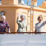 5. Mai 2018  Reise mit Nostalgiewert: Königin Margrethe und ihre beiden jüngeren Schwestern Benedikte und Anne-Marie, die ehemalige Königin von Griechenland, schippern mit der königlichen Jacht gemeinsam nach Kolding. Es ist mehrere Jahrzehnte her, dass die drei gemeinsam an Bord der Dannabrog gingen, um zu einem Termin zu fahren.