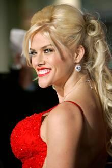 Anna Nicole Smith (†)