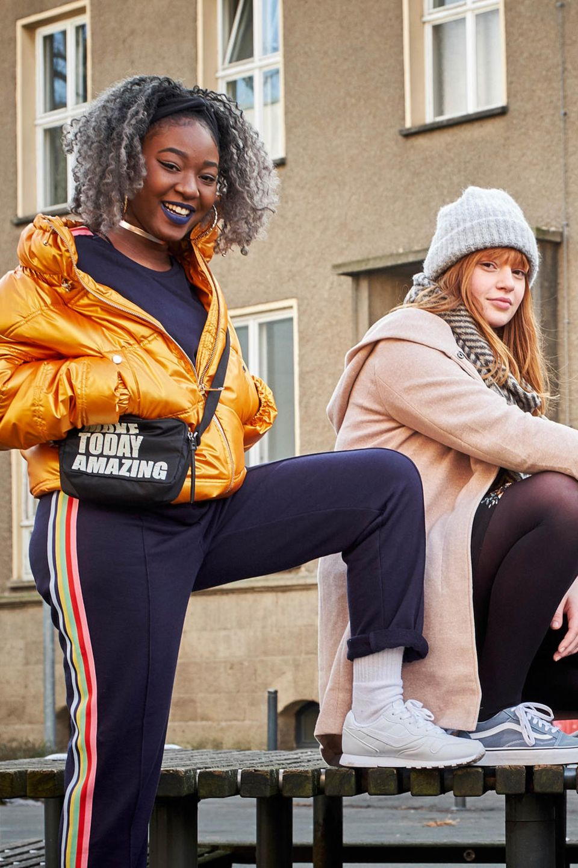 """Freundschaft, Liebe und die Suche nach der eigenen Identität - in der Webserie """"DRUCK"""" stellen sich fünf junge Frauen den Herausforderungen des Erwachsenwerdens"""