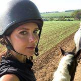 7. Mai 2018  So hat man die Mode-Diva Victoria Beckham noch nie gesehen. Auf ihrem Instagram-Account schreibt die schöne Britin, dass sie das Landleben liebe und den Ausritt mit Töchterchen Harper genieße.