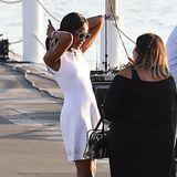 Und nicht nur Kendall genießt den sommerlichenMai in Cannes ohne BH, auch Supermodel Naomi Campbell im weißen Dress verzichtet ganz offensichtlich darauf.