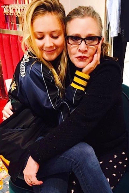 Schauspielerin Billie Lourd gedenkt zum Tag der Mütter ihrer verstorbenen Mama Carrie Fisher.