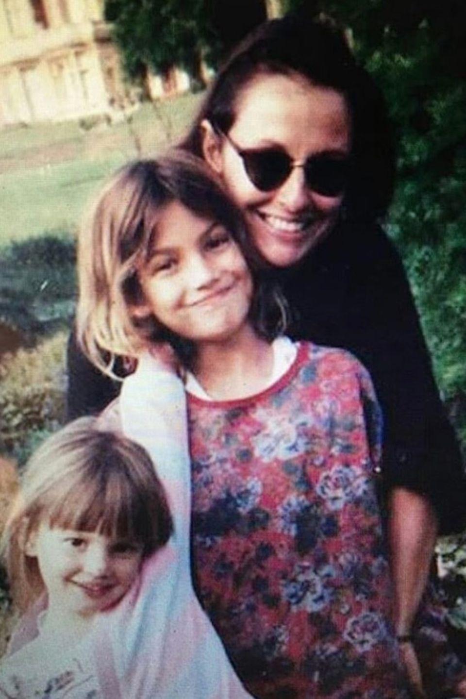 Supermodel Lily Aldridge (m.) gratuliert der weltbesten Mama, wie sie findet: Laura Lyons.