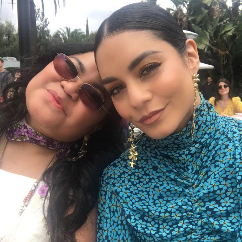 Über ihre Mutter ist Vanessa Hudgens sehr froh. Die verspielteste, fröhlichste und strahlendste Mama, die sie kenne - so Hudgens zu ihrem Foto mit Mutter Gina Guangco.
