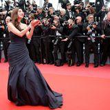 Auch sie legt einen eleganten Auftritt hin: Die pakistanische SchauspielerinMahira Khan.