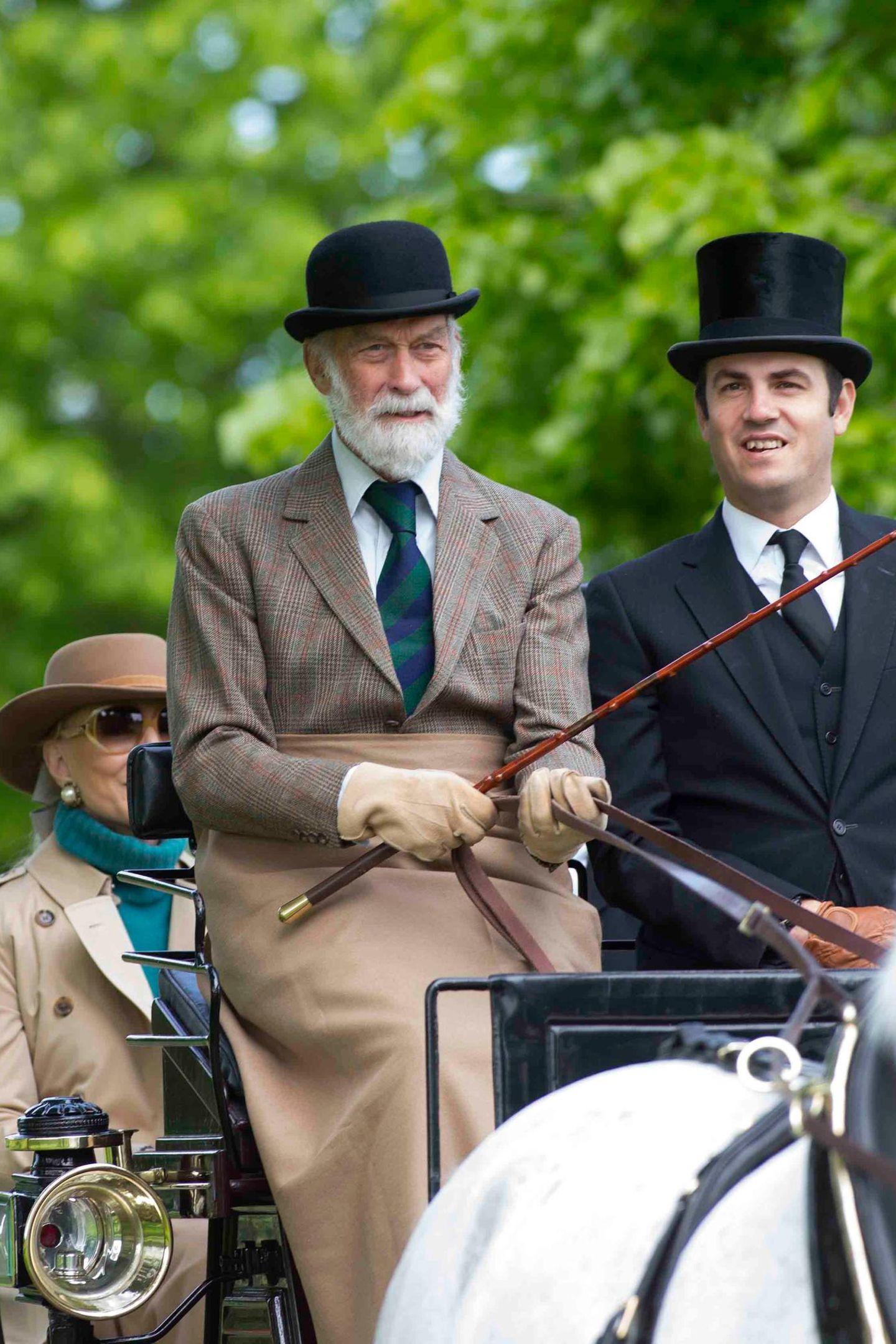 """13. Mai 2018  Prinz Michael von Kent fährt zur """"Royal Windsor Horse Show"""". Für Ehefrau Marie Christine ist auf der Kutsche nur hinten Platz."""
