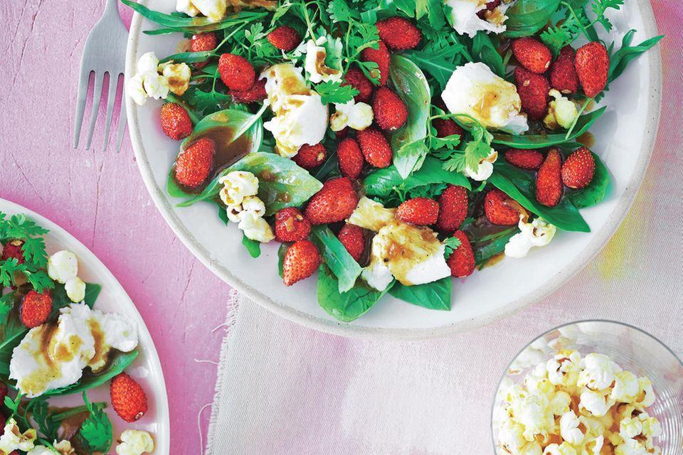 Erdbeer-Kräuter-Salat