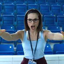 "Charlotte Riley als strenge Bademeisterin in der Kino-Kömodie ""SWIMMING WITH MEN"""