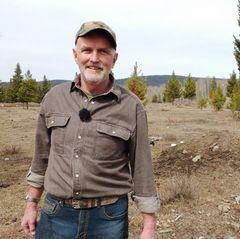 Andreas (67)  Der gebürtige Schweizer lebt seit 1997 imWesten Kanadas. Dort lebt er seitdem seinen Traum von der eigenen Farm. Jetzt fehlt nur noch eine sportliche und auswanderungswillige Frau.