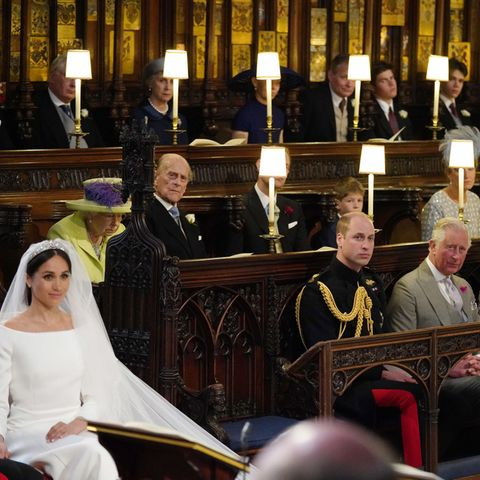 Meghan Markle, Queen Elizabeth II., Prinz Philip, Prinz William und Prinz Charles bei der Zeremonie in der Kapelle
