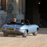 Prinz Harry fährt dieses Cabrio selbst.
