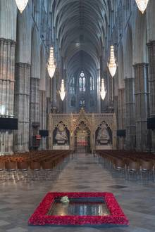 Der Brautstrauß von Herzogin Meghan hat seinen Platz in der Westminster Abbey in London gefunden. Hier lag zuletzt der von Herzogin Catherine 2011.