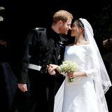 Die Dauer des ersten Kusses  Der erste öffentlicheKuss zwischen Prinz Harry und Meghan Markle vor der Kapelledauert etwa zwei Sekunden.Demnach küssten sich Prinz Harry und Meghan Markle ähnlich lang wie Prinz William und Herzogin Kate.