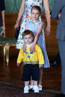 21. Mai 2018  Geschwisterliebe auf Schwedisch:Prinzessin Estelle kümmert sich wie immer rührend um ihren süßen Bruder.