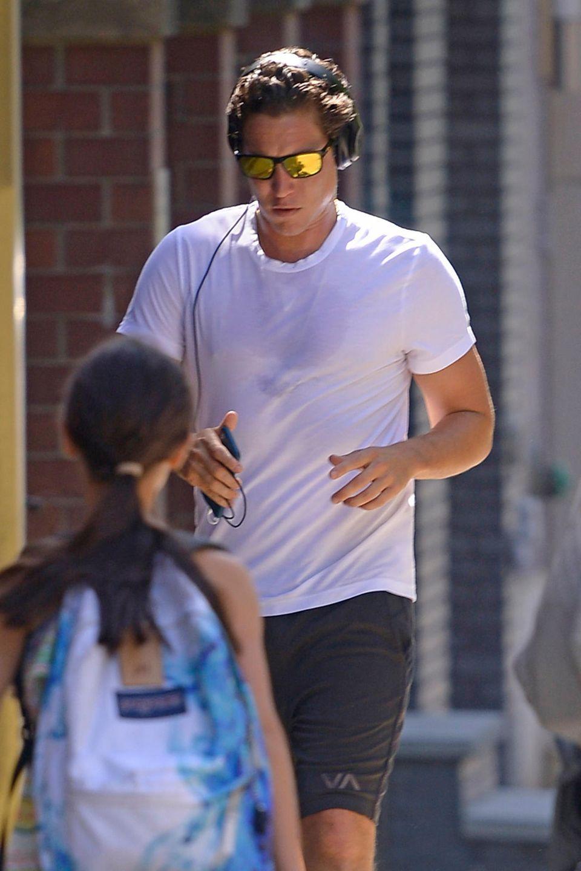 Es ist nicht das erste Mal, dass der Ex von Heidi Klum in den letzten Wochen beim Sport gesichtet wurde - ob er sich für eine besondere Person in Form bringen möchte (angeblich datet er Amber Heard)? Vielleicht haben ihn die Turtelfotos von seiner Ex und ihrem neuen, jüngeren Freund auch dazu angespornt. Tom Kaulitz ist schließlich in Topform.